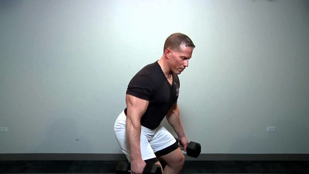 Abnehmen durch Kniebeugen: Fitness Übungen richtig ausführen
